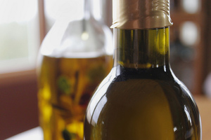 8 Ways to Responsibly Dispose of Used Cooking Oil