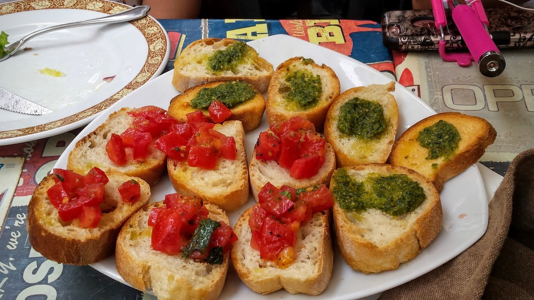 7 italian food rules i learned while studying abroad in italy for Pronounce canape