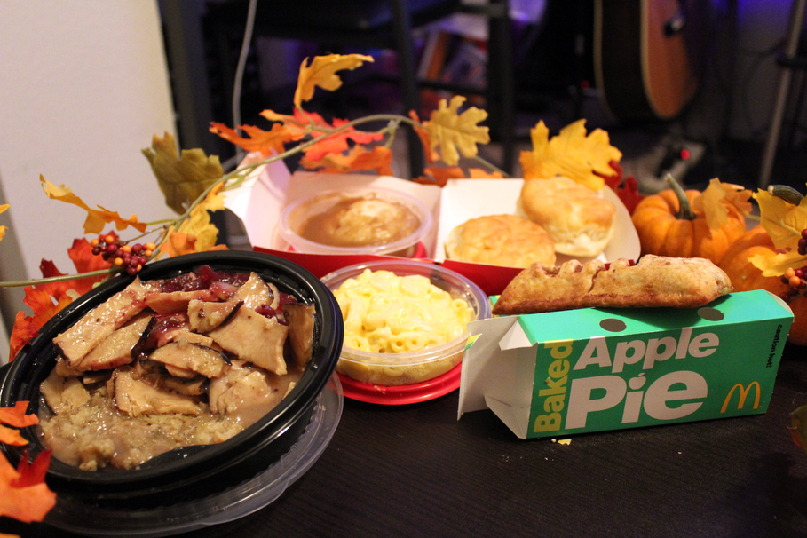 How To Recreate Thanksgiving Dinner With Fast Food