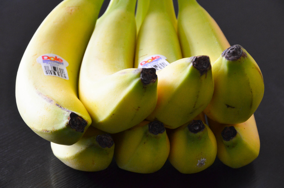 Outstanding Whats The Black Thing At The End Of A Banana And Is It Safe Pabps2019 Chair Design Images Pabps2019Com