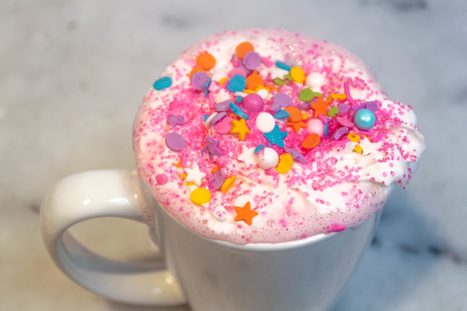10 Unique Hot Chocolate Recipes to Update This Wintertime