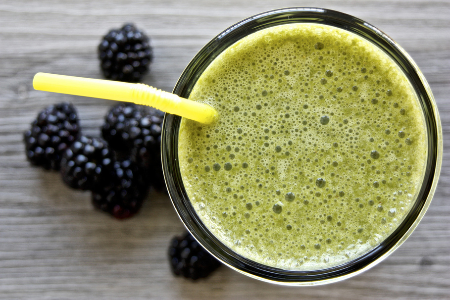 5 Smoothie Thickeners that aren't Bananas