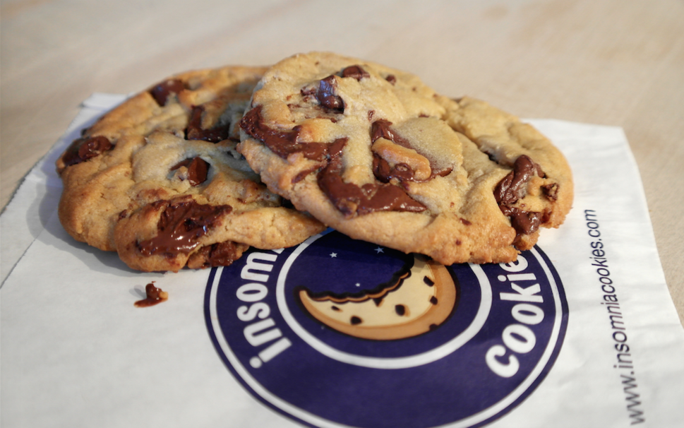 insomnia cookies Insomnia cookies is a bakery that specializes in cookies, and late-night deliveries that feed the cravings of an increasing number of coeds.