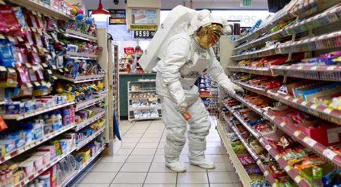 what do astronauts eat in space for breakfast lunch and dinner - photo #35