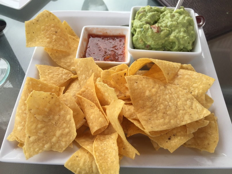 sauce, salt, avocado, nachos, chips, tortilla chips, corn, salsa, guacamole