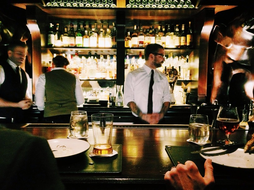 7 Things Guaranteed To Irritate Your Bartender