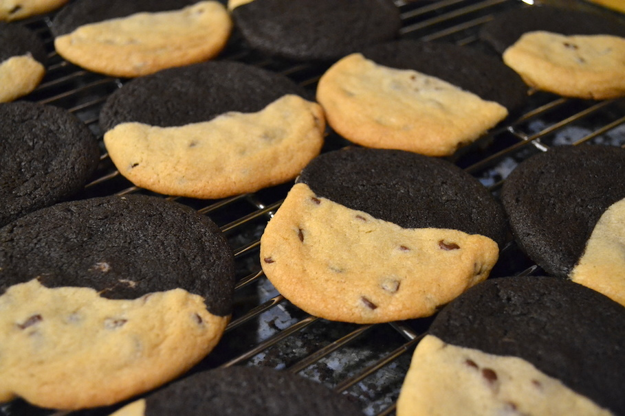 What to Make If You Can't Decide Between Brownies and Chocolate Chip Cookies