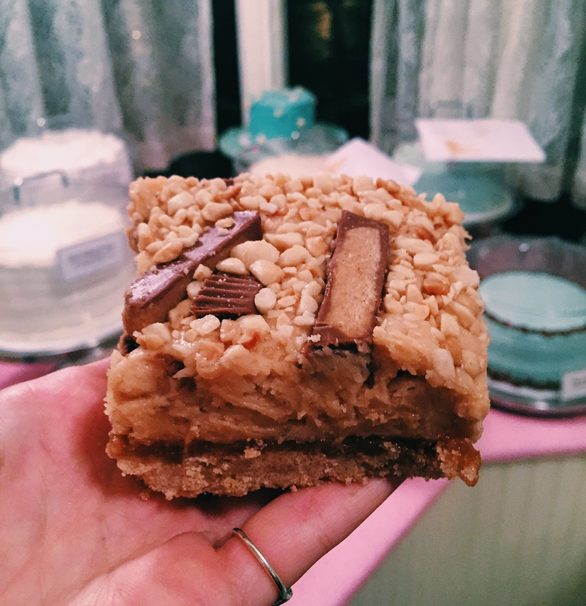 What You Should Eat At Magnolia Bakery The Next Time Youre In NYC