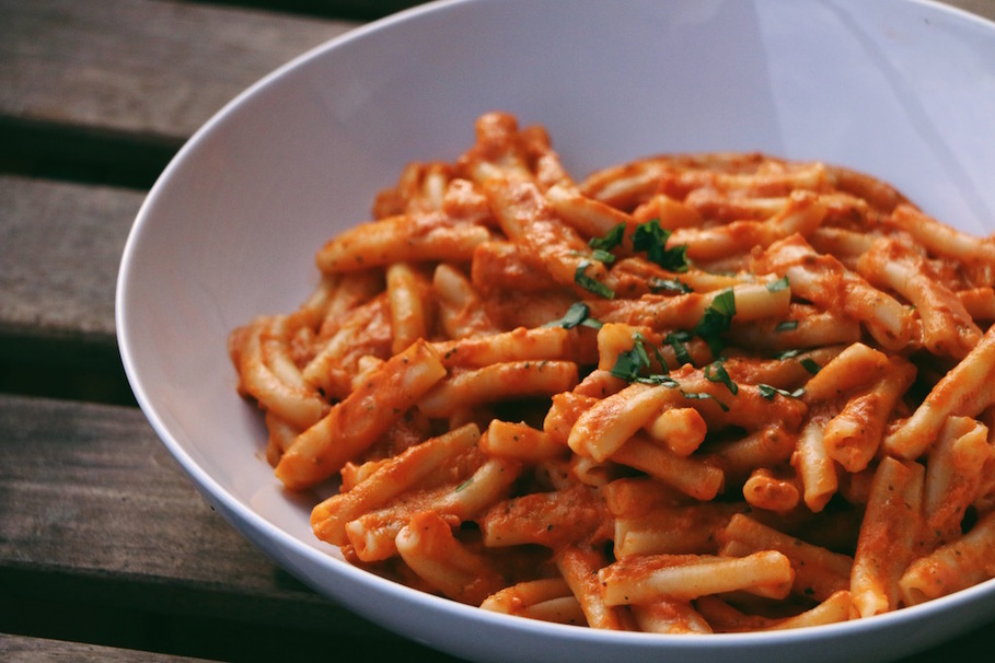 penne, macaroni, spaghetti, meat, vegetable, pasta, sauce