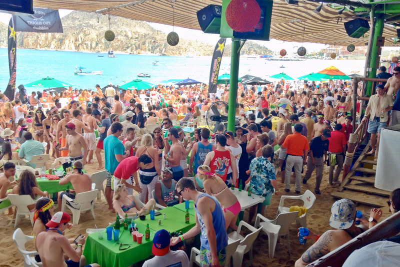 The Five Best Spring Break Bars To Visit In Cabo