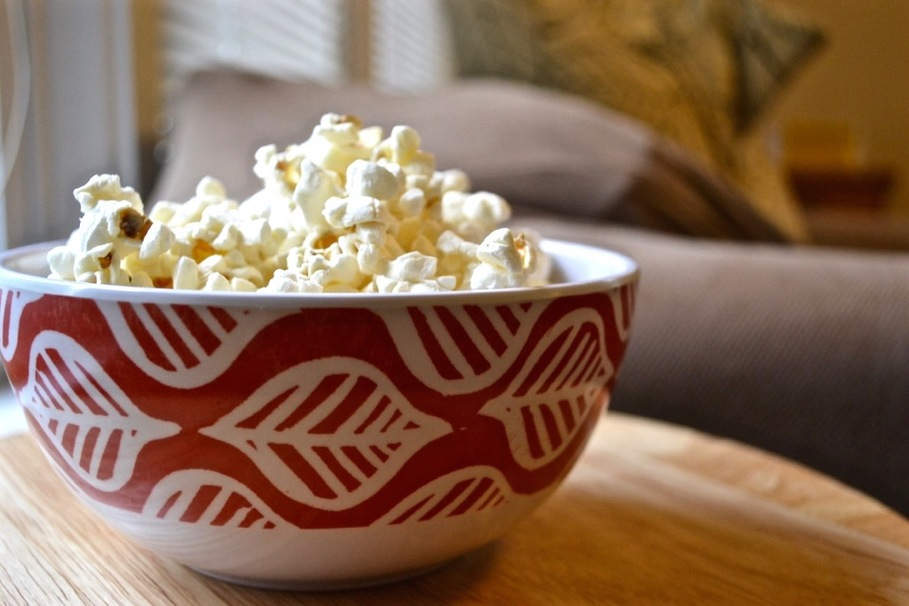 How to Pop Popcorn in a Microwave Without Burning It