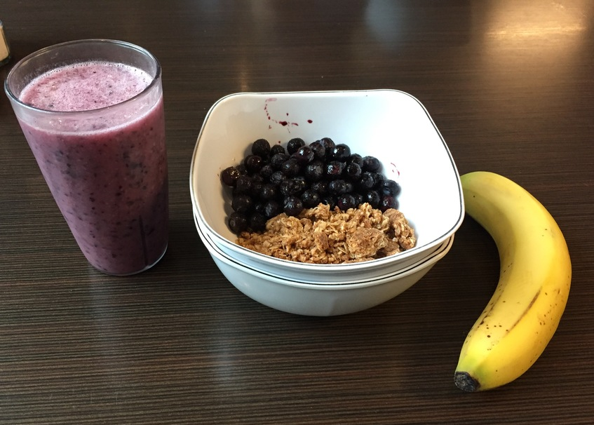 How to Make a Smoothie Bowl in the Dining Hall