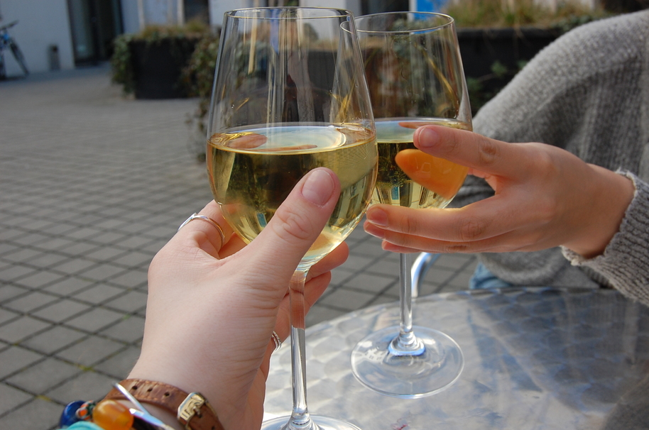 Wine Drunk vs Beer Drunk: Do Certain Alcohols Affect You Differently?