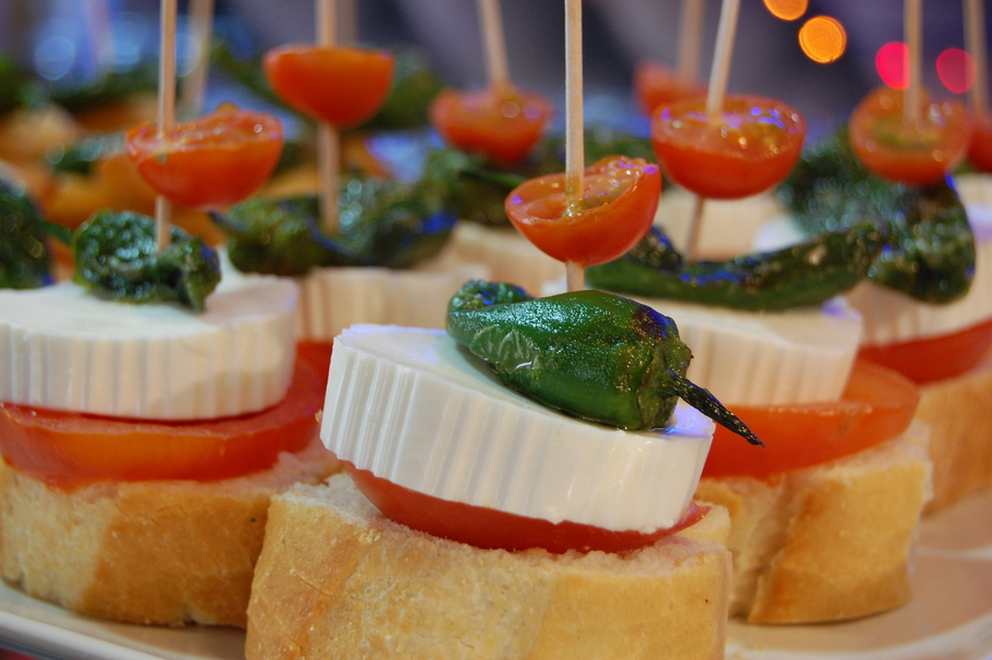 20 food items that are called something completely for Canape meaning in english