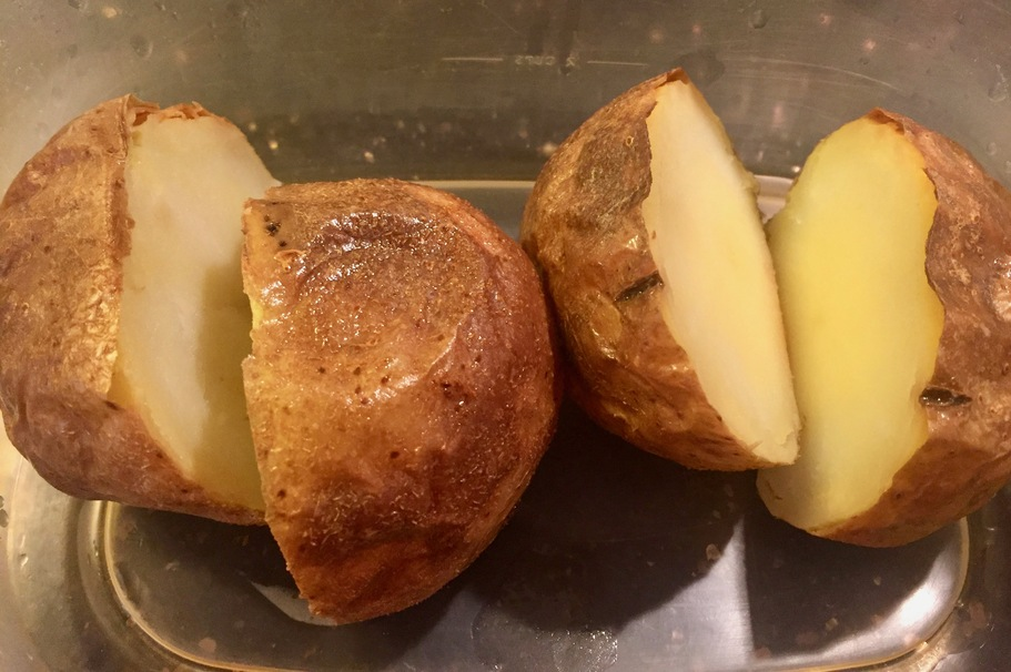 The 2 Best Ways To Reheat A Baked Potato Without Drying It Out