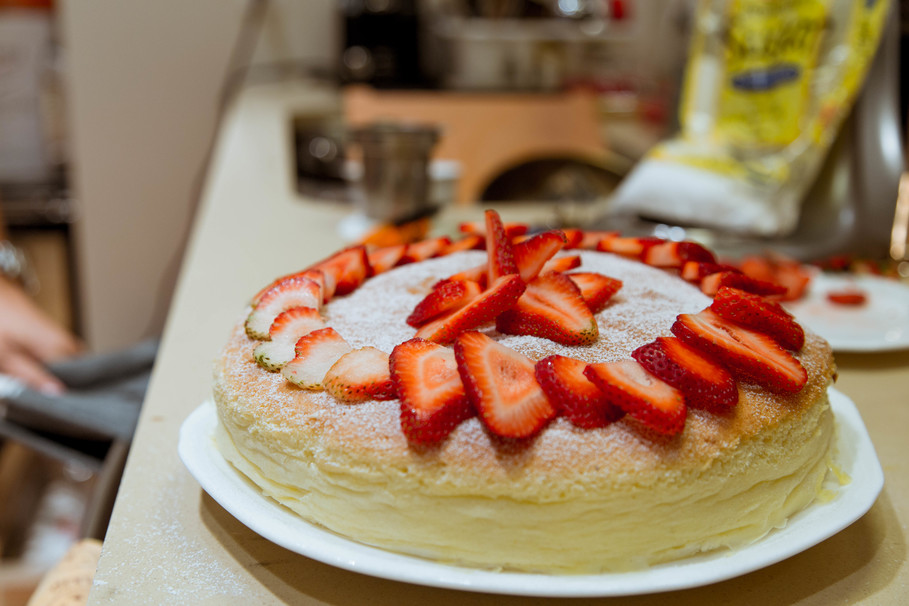 Recipe For Japanese Jiggly Cake: I Tried Making BuzzFeed's Japanese Cheesecake And It Was