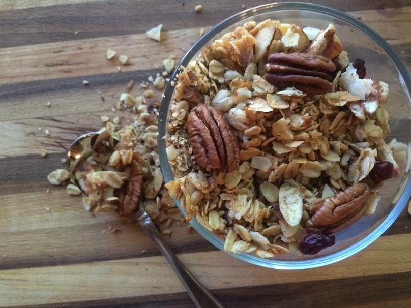 Delicious and Simple Homemade Granola Recipe