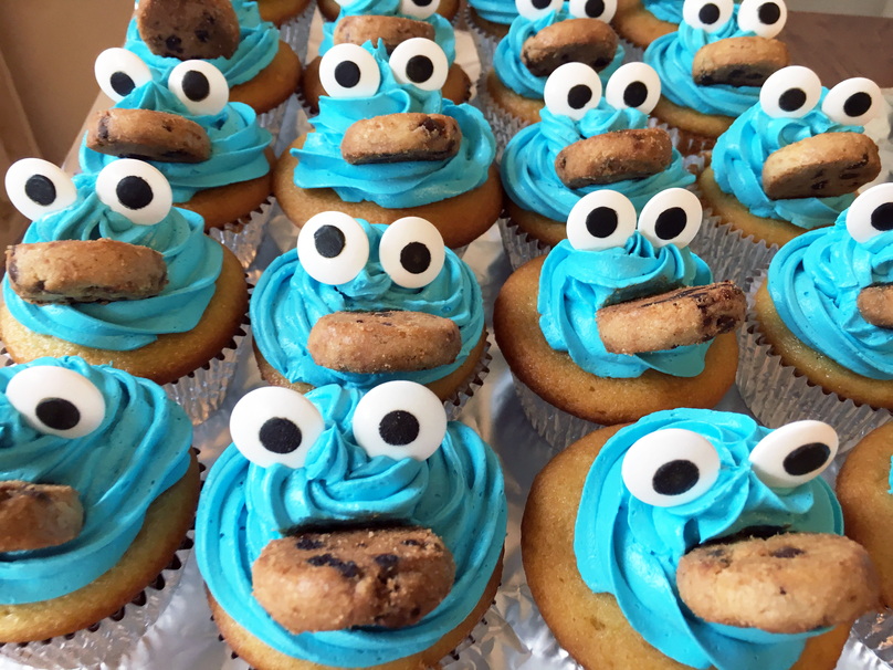 These Cookie Monster Cupcakes Are Both Yummy And Cute