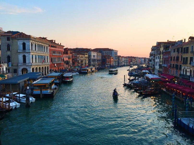 The 5 Best Cheap Eats Venice Has If You're Traveling on a Budget