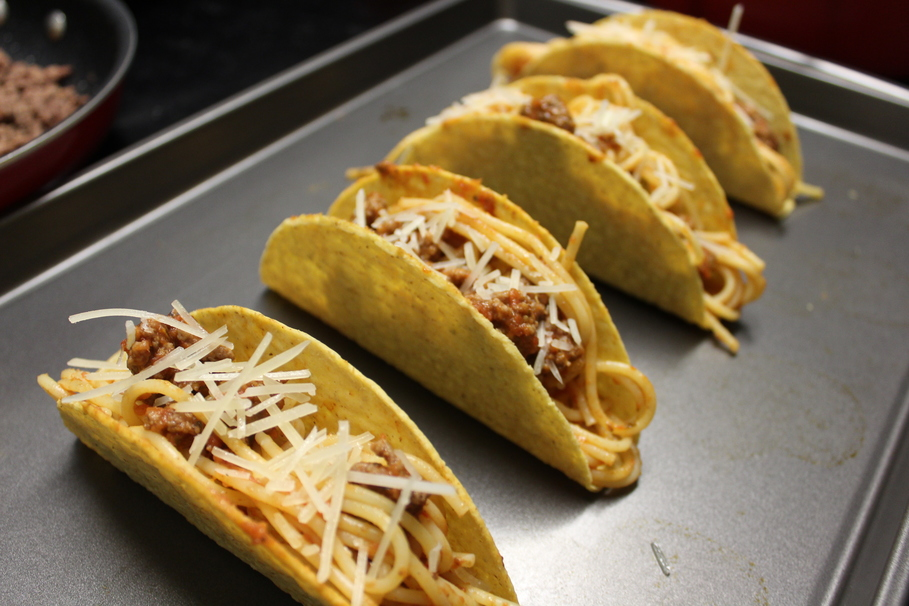 I Made Spaghetti Tacos From Icarly And The Nostalgia Was Real