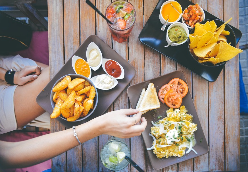 This App is Changing the Game For Going Out to Eat on a Diet