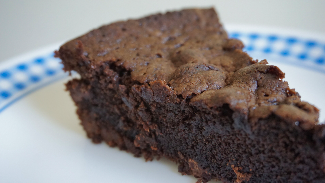 The Simplest Recipe for Fudgy Brownie Cakes