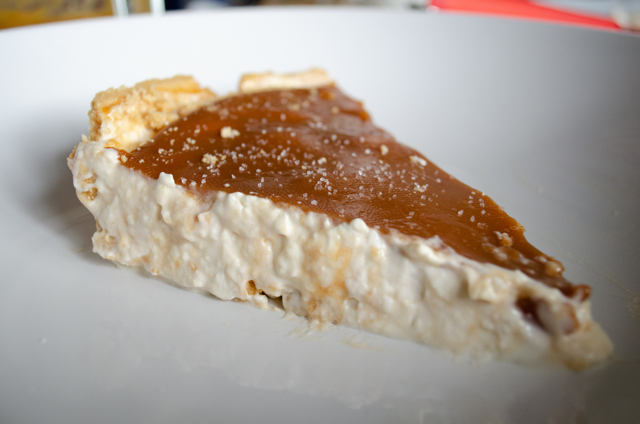 This No Bake Salted Caramel Cheesecake is a Must This Holiday Season
