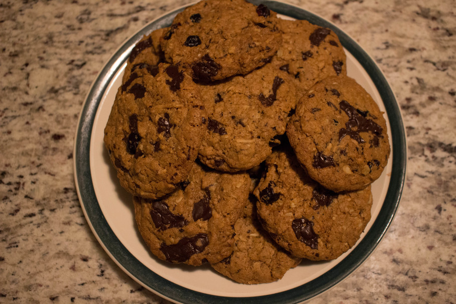 Quick and Easy Vegan Oatmeal Chocolate Chip Cookies