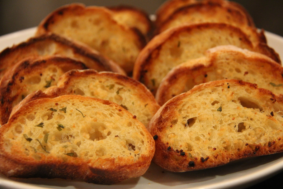 Homemade Garlic Bread in Only 20 Minutes