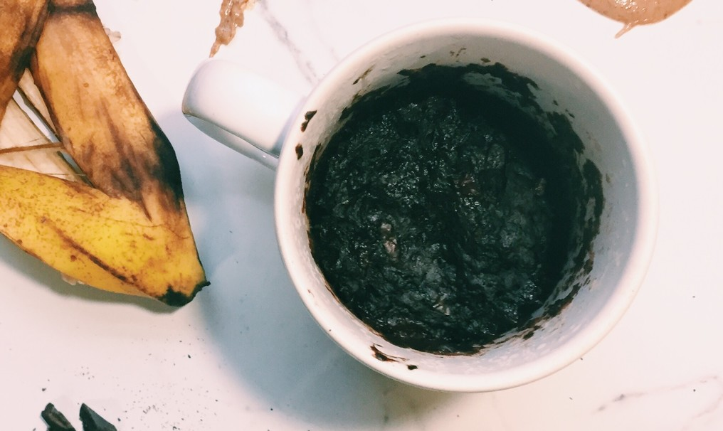 Healthy Brownie in a Mug to Instantly Satisfy That Sweet Craving