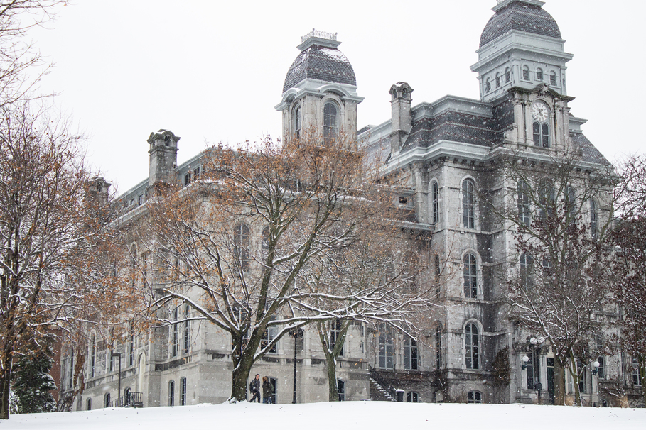 Best Places to Keep Warm During a SU Snowstorm