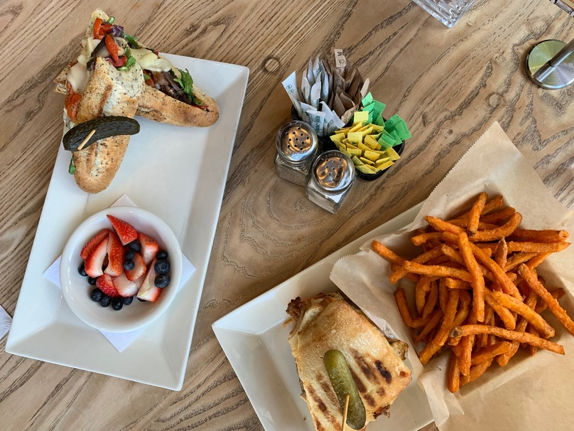 Why Busboys and Poets is the Perfect Night Out Restaurant