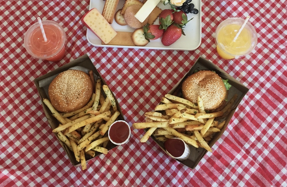 Dom's Burger Park is Back in Los Angeles!