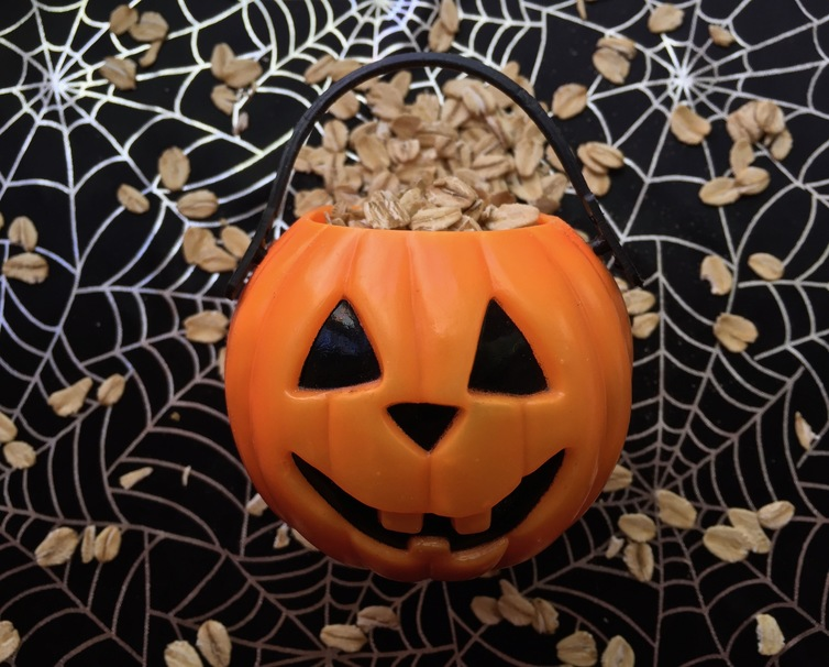 Get Spooky with These 3 Halloween Oatmeal Recipes