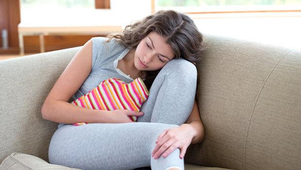 نصائح تساعدك على التخفيف من الالام التشنجات اتناء الدورة الشهرية