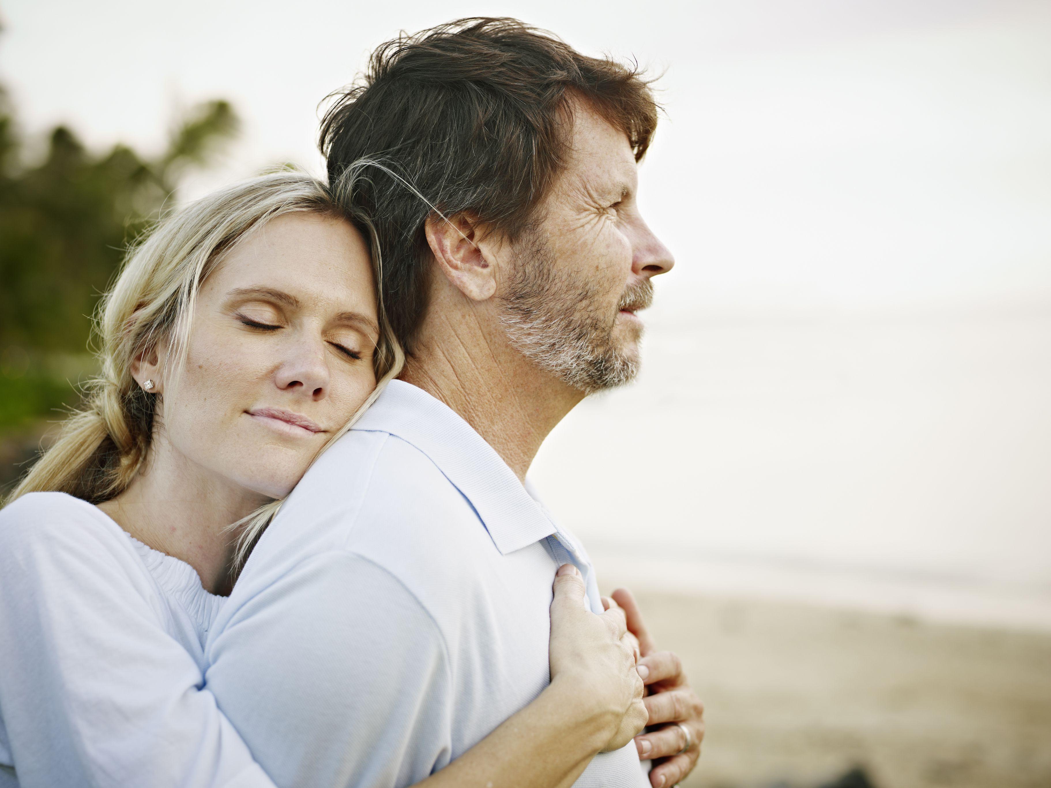 كيف يجب أن تكون علاقة الزوجة بأخوات الزوج و زوجات إخوته