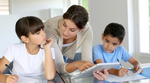 نصائح لمساعدة الطفل على تجاوز قلق الإمتحانات