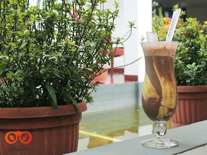 Thumb header chocolate banana smoothies