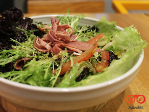 Thumb header green salad