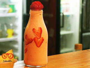Thumb header strawberry smoothies
