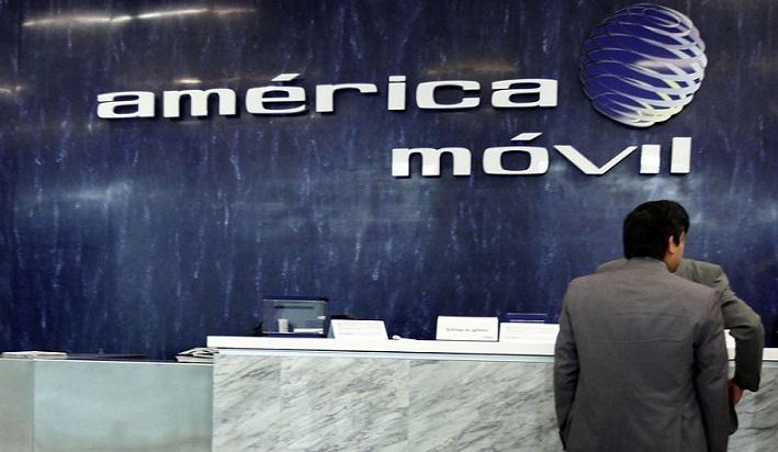 Moody's redujo la nota crediticia de América Móvil