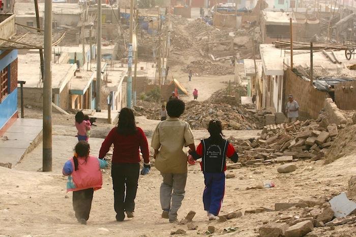 """""""Los pobres son brutos"""" y otros mitos sobre la pobreza"""