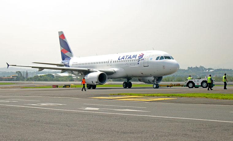 219280-latam-airlines-anuncio-reduccion-de-tarifas-a-destinos-del-norte-por-huaicos