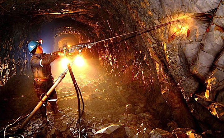 232063-minera-irl-iniciara-arbitraje-con-cofide