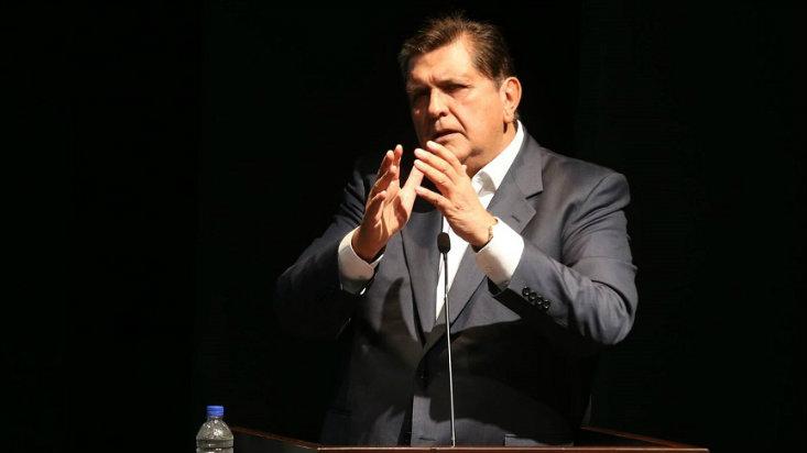 Alan García plantea levantar la inmunidad parlamentaria y la reserva tributaria