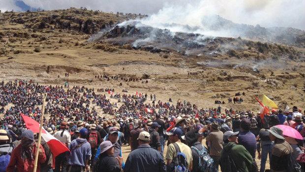 240260-mmg-sobre-las-bambas-continuan-actividades-pese-a-protestas