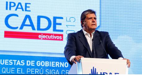 Alan García apela al optimismo para ganarse a los empresarios