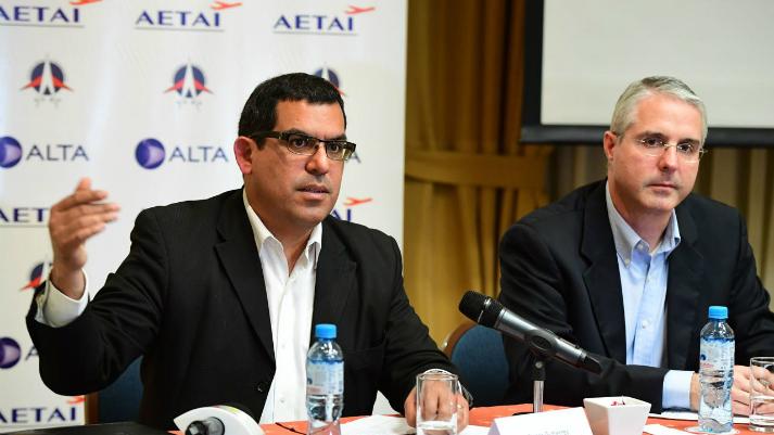 Gremios apoyan que exoneración tributaria incluya a grandes aerolíneas