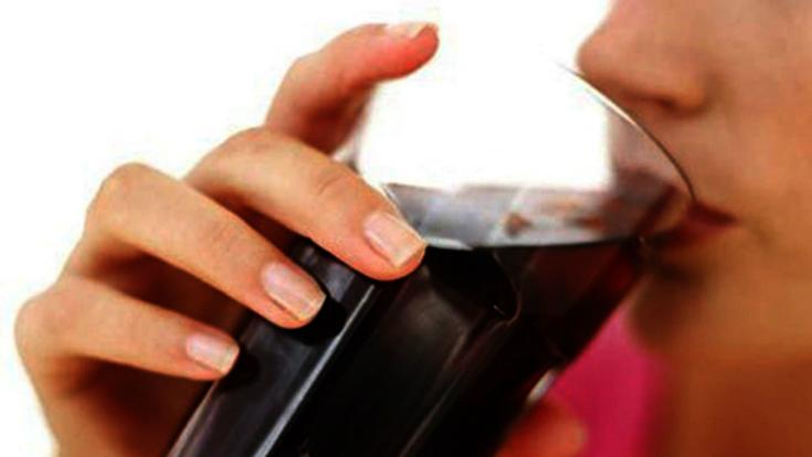 298305-chile-consumo-de-bebidas-azucaradas-cayo-21-6-tras-mayores-impuestos