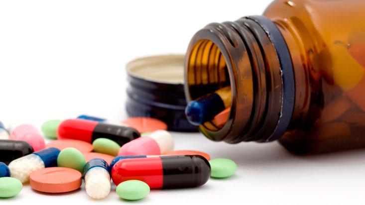 307339-medicamentos-en-el-peru-ademas-de-comprar-poco-se-compra-mal